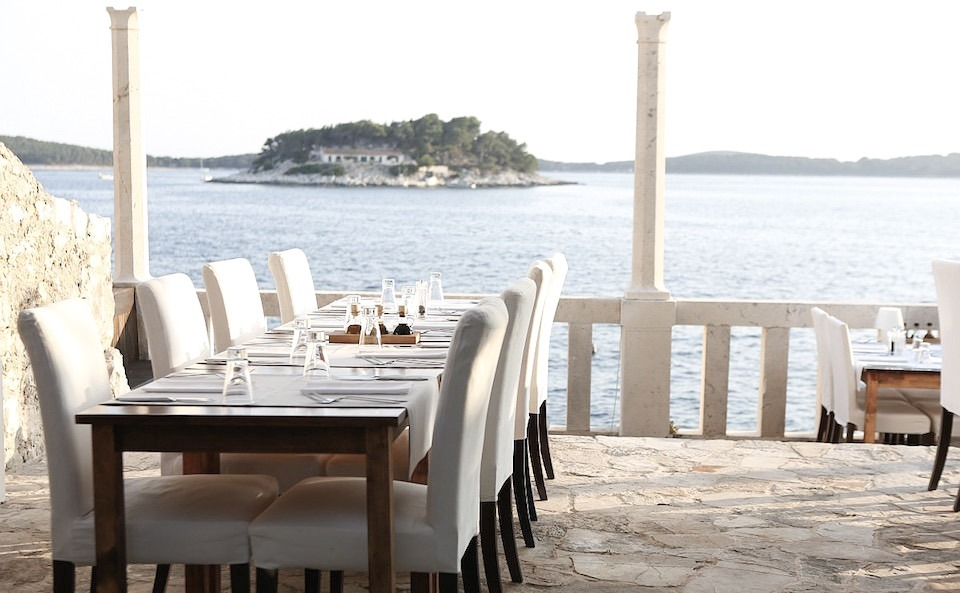 hvar_wedding_locations_lela_design_divino_concept_store_filter